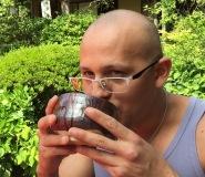 O chá tinha gosto de caldo de cana...