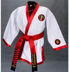O ridículo karategi de Elvis Presley, copiado por muitos picaretas das artes marciais...