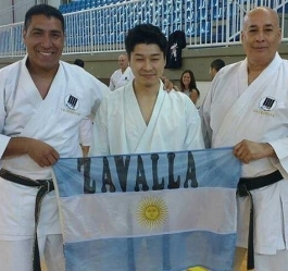 Otsuka sensie o karateka argentinos
